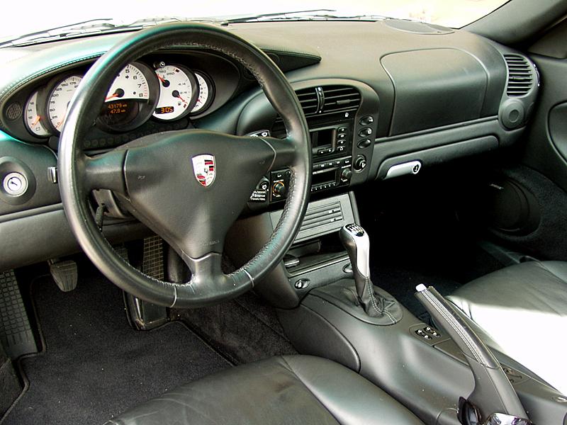 Image gallery 2004 porsche 911 interior for Porsche 996 interieur